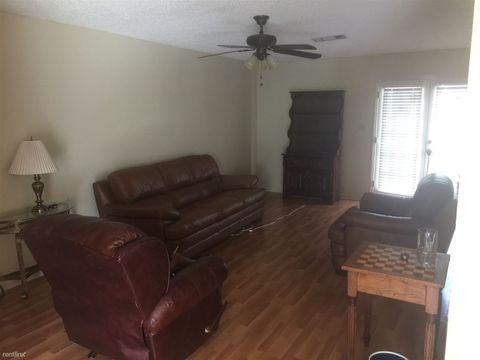 Photo of 631 Parkwood Ave, Albany, GA 31701