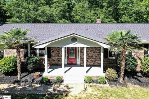 Photo of 15 Falcon Dr, Taylors, SC 29687