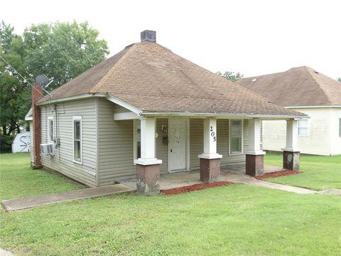 Photo of 205 Third St, Park Hills, MO 63601
