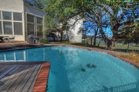 1 Crystal Springs Ct Apt E, The Hills, TX 78738