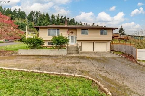 Photo of 52910 Nw Cliff Dr, Scappoose, OR 97056