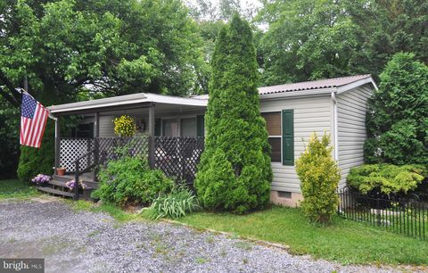 Photo of 41 And 55 Stitchery Ln, Martinsburg, WV 25401