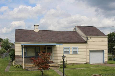 Photo of 216 Cinema Dr, Johnstown, PA 15905