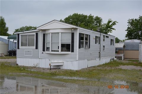Photo of 6395 N Russell Rd Unit 403, Oak Harbor, OH 43449