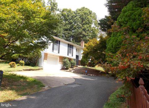 Photo of 8405 Terra Woods Dr, Springfield, VA 22153