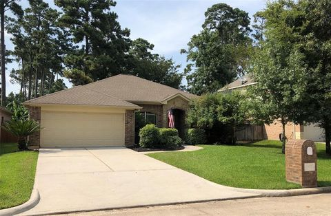 Photo of 12822 Lake Shore Dr, Montgomery, TX 77356