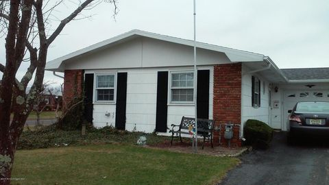 158 Clay Cir, Brick, NJ 08724