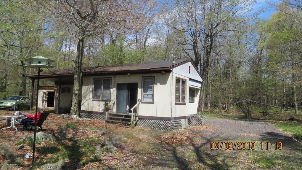 145 Broken Arrow Ln Gouldsboro, PA 18424