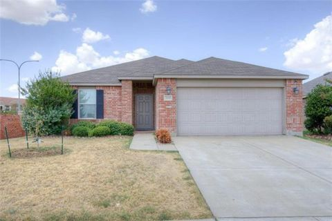 Photo of 3201 Sadie Trl, Fort Worth, TX 76137