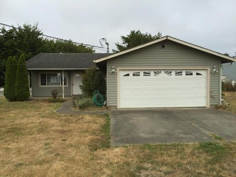 3825 Lake Earl Dr, Crescent City, CA 95531