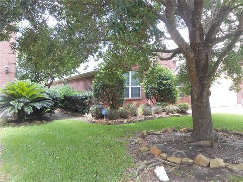 Photo of 3006 Meadow Bay Dr, Dickinson, TX 77539