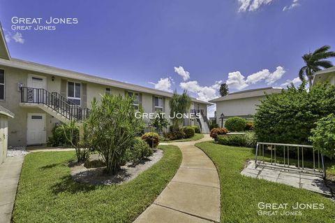 Photo of 243 Palm Dr Apt 2, Naples, FL 34112