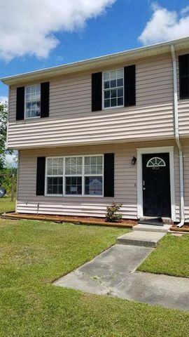 Photo of 1100 Pineland Ave Apt 4 A, Hinesville, GA 31313