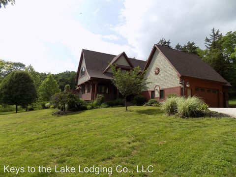Photo of 715 Jacobs Hollow Dr, Roach, MO 65787