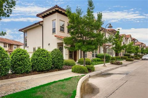 Photo of 6723 Plaza Via Unit 13, Irving, TX 75039