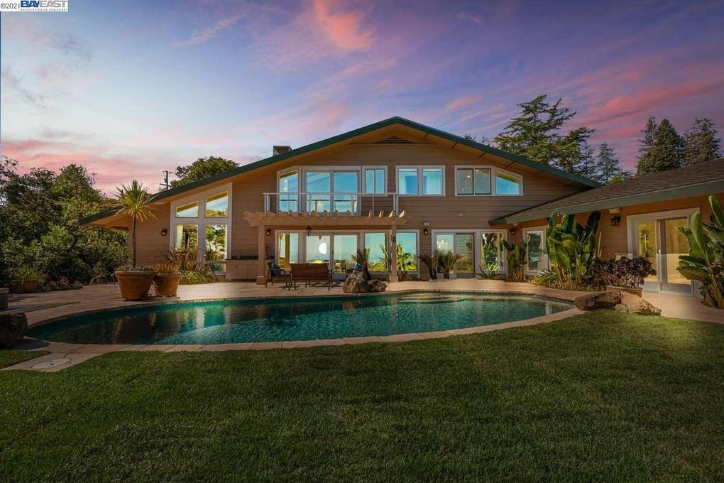 180 Brookwood Rd Woodside, CA 94062