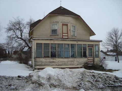 812 6th Ave, Cando, ND 58324