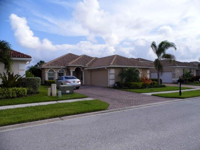 1592 Nw Old Oak Ter, Jensen Beach, FL 34957