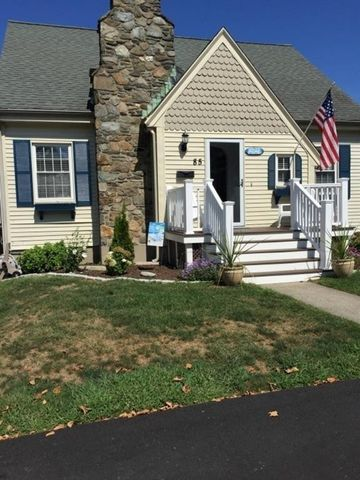 Photo of 85 Maple Ave Unit 1, Middletown, RI 02842