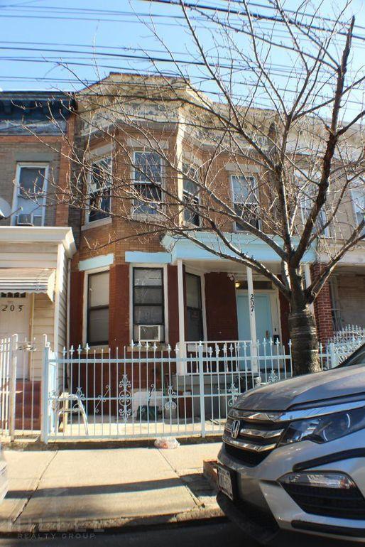 207 Autumn Ave Brooklyn Ny 11208 Realtor Com