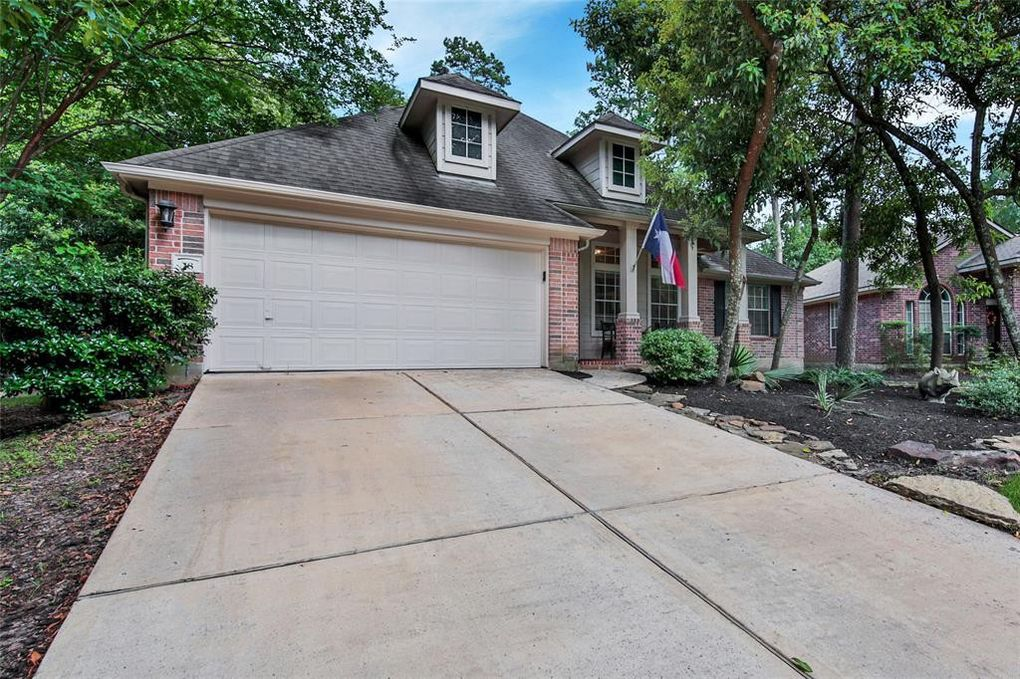 18 Quince Tree Pl, The Woodlands, TX 77385