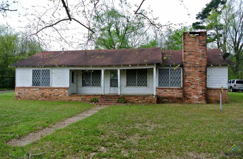 611 Rusk Ave Wells, TX 75976