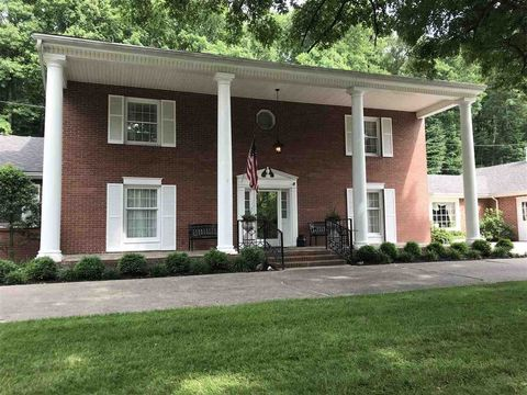 85 Copper Glen Dr, Huntington, WV 25701