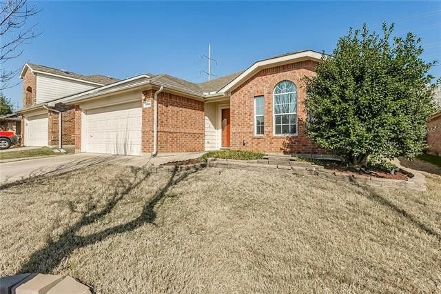 11904 Gold Creek Dr E, Fort Worth, TX 76244