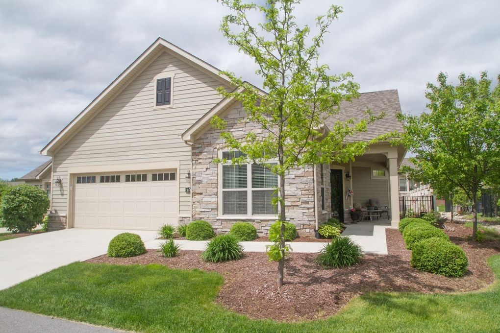 3153 Indian Summer Cir Valparaiso, IN 46385