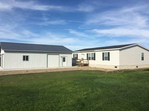 Photo of 226 Decoy Ave, Pierre, SD 57501