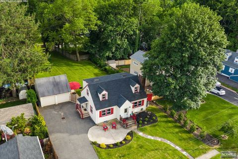 Photo of 16 Edwin Pl, Pompton Lakes, NJ 07442