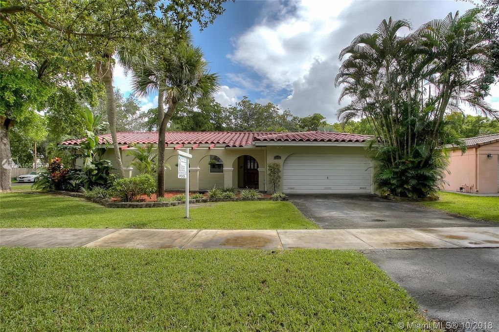 15131 Menteith Pl Miami Lakes, FL 33016