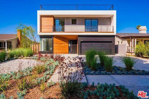 Photo of 3072 Grand View Blvd, Los Angeles, CA 90066