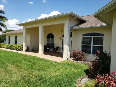 Photo of 6705 Overlook Dr N, Fort Myers, FL 33919