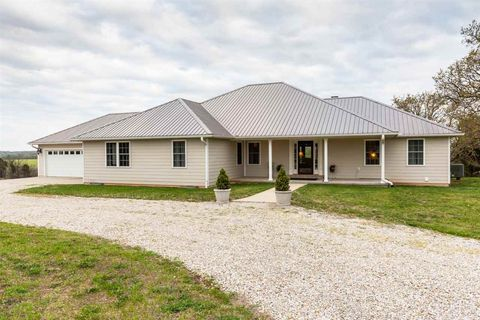 90 Red Fox Rd, Florence, MO 65329