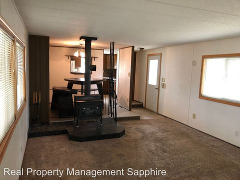 Photo of 320 Doran Ln, Hamilton, MT 59840