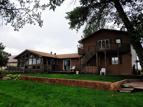 Photo of 720 N Lake Dr, Watertown, SD 57201