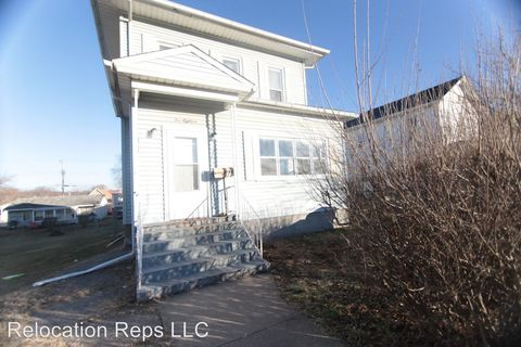 Photo of 518 8th Ave S, Clinton, IA 52732