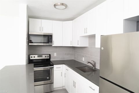 Photo of 913 Ne 18th Ave Apt 115, Fort Lauderdale, FL 33304