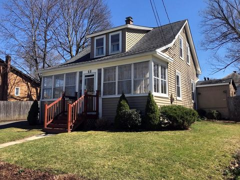 Photo of 68 West St, Greenfield, MA 01301