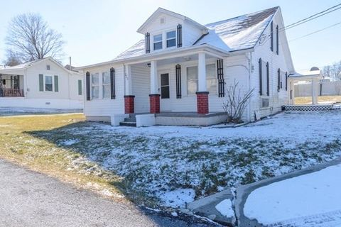 222 Kirkwood St, Glade Spring, VA 24340