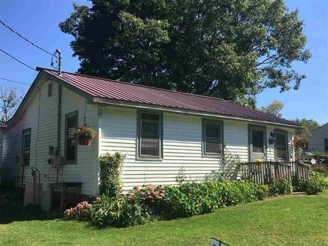 Photo of 564 Mills Point Rd, Colchester, VT 05446
