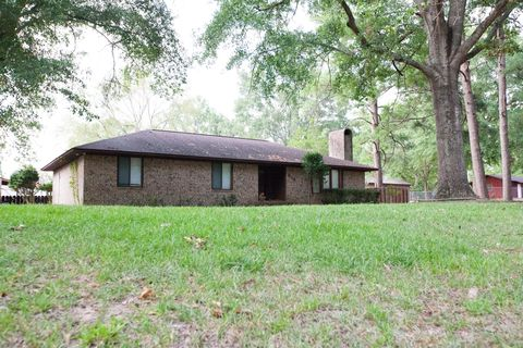 Photo of 516 W Holly Rd, Junction City, AR 71749