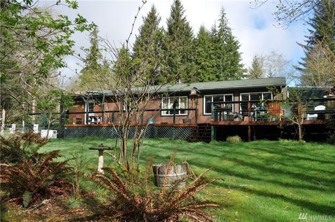 Photo of 6104 Quillayute Rd, Forks, WA 98331