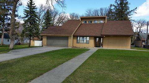 302 Maple St Sw, Rose Creek, MN 55970