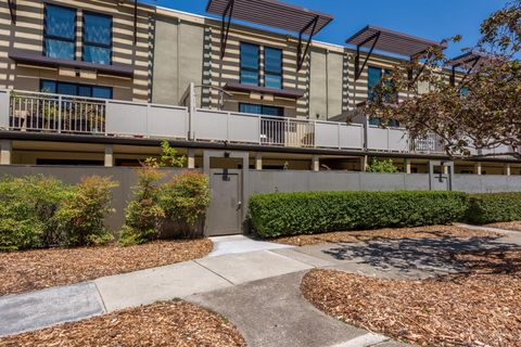 Photo of 7105 Admiralty Ln, Foster City, CA 94404