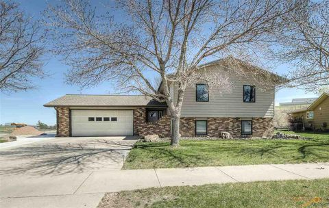 Photo of 3308 Locust St, Rapid City, SD 57701