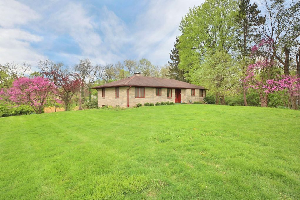 1403 State Route 37 W, Delaware, OH 43015