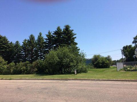 1011 16th St Sw, Jamestown, ND 58401