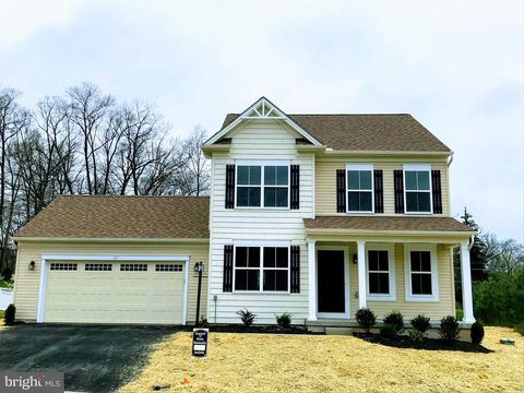 Photo of 65 Thoroughbred Dr, York Haven, PA 17370